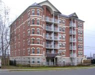 6 Storey, Richmond Hill